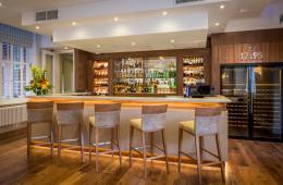 Lounge Bar 2